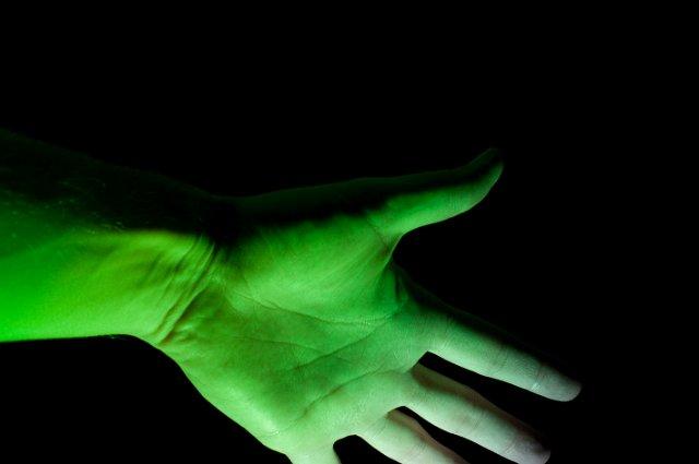 активы зеленая рука картинки снимать телефон магазине